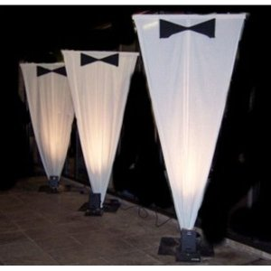 +B&W010  Giant White Triangles & Bow Ties