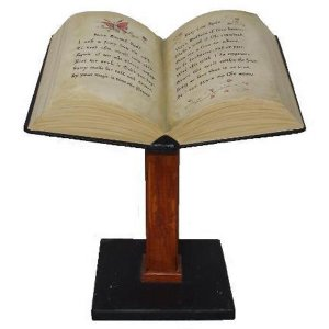 +HAR203 Spell Book on Pedestal