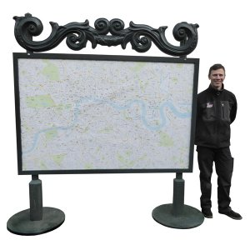 +LON208 London Street Map on Posts