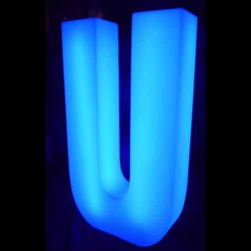 Lumaform letter U