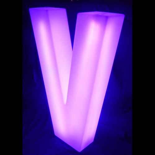 Lumaform letter V